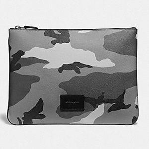 🆕 Coach Camouflage Large Tech Pouch
